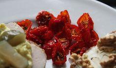 Tørrede cherrytomater, som er taget op fra fryseren, har en helt fantastisk farve og ikke mindst smag.