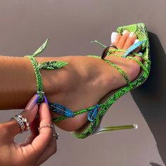 Cute Shoes Heels, Fancy Shoes, Pretty Shoes, Me Too Shoes, Tom Shoes, Stilettos, Stiletto Heels, High Heels, Designer Shoes
