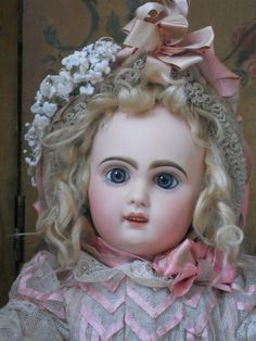 ~~~ Gorgeous French Bisque Bebe by Jumeau in Box ~~~