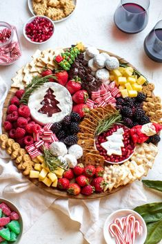 Christmas Cheese, Christmas Party Food, Christmas Brunch, Xmas Food, Christmas Breakfast, Christmas Cooking, Christmas Desserts, Christmas Treats, Best Christmas Appetizers