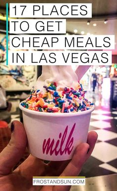 17 droolworthy places for cheap eats in Las Vegas that won't break your budget. Get read for the most droolworthy places to eat in Las Vegas that won't break your budget. Las Vegas Restaurants, Las Vegas Eats, Las Vegas Food, Las Vegas Vacation, Vegas Getaway, Las Vegas Travel, Cheap Vegas Trip, Best Food In Vegas, Foodie Travel