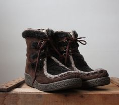 vintage winter icelandic boots $69