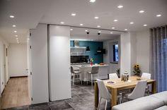 6 Bellissime Idee per Dividere la Cucina dal Soggiorno | homify Interior Design, Table, Furniture, Home Decor, Google, Open Kitchens, Open Concept, Pull Apart, Houses