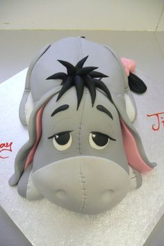 cake magic...eeyore cake...so cute.