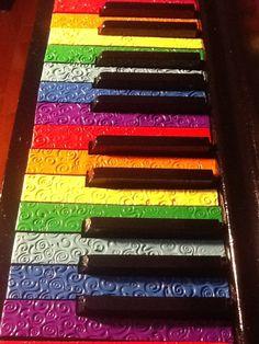 love the rainbow piano keys!