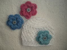 Crochet baby hat with interchangable flowers- 17 color choices- white flower beanie for baby, newborn, 0-3 3-6 6-9 9-12 Month, baby gift