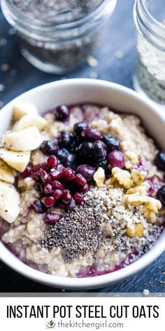 Naturally sweetened steel cut oatmeal for Instant Pot or stove. Meal prep for breakfast on the go! Naturally sweetened steel cut oatmeal for Instant Pot or stove. Meal prep for breakfast on the go! Healthy Oatmeal Recipes, Oats Recipes, Healthy Breakfast Recipes, Brunch Recipes, Cooker Recipes, Vegetarian Recipes, Vegan Oatmeal, Healthy Eats, Vegan Breakfast