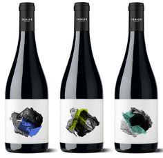 Ignios Orígenes wine bottle designed by Dailos Pérez
