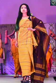 Stylish Photo Pose, Bodo, Tribal Fashion, Model Pictures, Indian Girls, Indian Sarees, Photo Poses, Traditional Dresses, Cheddar