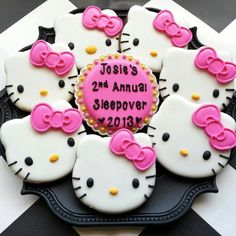 Hello Kitty Cookies~                         No source, pink bow, white