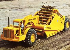 International Harvester introduced its model 295 Payscraper to replace the former model which had been a good seller for International. International Tractors, International Harvester, Big Rig Trucks, Dump Trucks, Toyota 4runner, Toyota Tacoma, Welding Rigs, Road Construction, Heavy Machinery