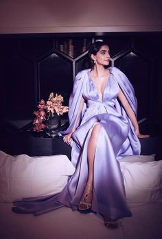 Janhvi Kapoor Sizzled In Gorgeous Red Mirror Gown , Sonam Kapoor Stunned In Lilac Ensemble At Zee Cine Awards - HungryBoo Celebrity Fashion Looks, Celebrity Style, Sonam Kapoor Instagram, Rhea Kapoor, Beautiful Bollywood Actress, Instagram Outfits, Milan Fashion Weeks, Bollywood Fashion, Bollywood Style
