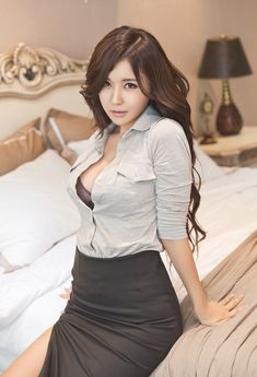 Beautiful Busty Asian With Sexy Office Suite [Ryu Ji Hye] Korean Beauty, Asian Beauty, Asian Hotties, Thing 1, Korean Model, Office Ladies, Sexy Asian Girls, Asian Ladies, Beautiful Asian Women