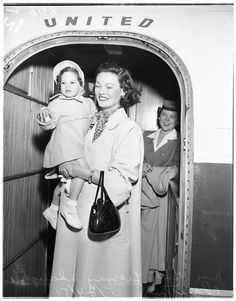Gene Tierney and daughter