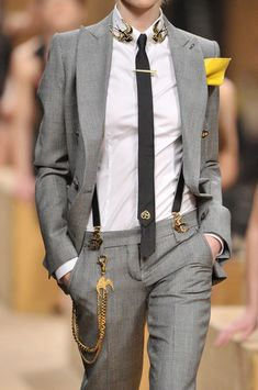 There are way too many accessories going on here. But it has the potential to be a very cool look.