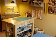 Kitchen island as standing work desk Large Chalkboard, Kitchen Cart, Kitchen Island, Beautiful Space, Studio, Standing Desks, Work Desk, Table, Sun Kissed