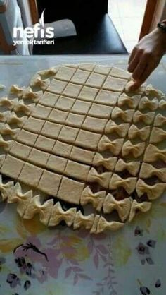 Different baked goods – Healthy Foods Pie Crust Recipes, Cookie Recipes, Dessert Recipes, Pie Crusts, Pie Crust Designs, Pasta Casera, Bread Shaping, Bread And Pastries, Puff Pastries