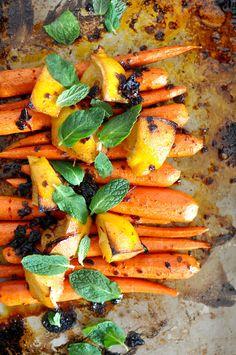 Honey-Chipotle Roasted Carrots Recipe | ¡HOLA! JALAPEÑO