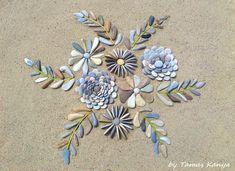 Pebble Mosaic, Pebble Art, Mosaic Art, Land Art, Stone Crafts, Rock Crafts, Mosaic Garden, Garden Art, Deco Marine