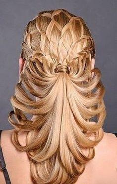 trecce capelli acconciatura elaborata