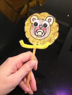 ROAR!! Toddler Arts and Crafts