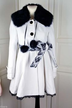 Japanese fashion gal style cute elegante autumn winter coat white & black New Outfits, Fashion Outfits, Fashion Gal, Korean Ulzzang, Ulzzang Fashion, Japanese Fashion, Winter Coat, My Wardrobe, Fur Coat
