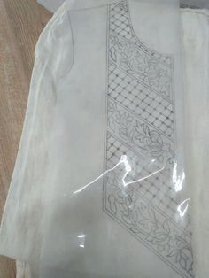 Handmade Embroidery Designs, Hand Embroidery Design Patterns, Textile Pattern Design, Hand Embroidery Projects, Couture Embroidery, Embroidery Motifs, Lace Patterns, Tambour Beading, Hand Work Blouse Design