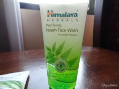 Summer skincare for oily skin people. Himalaya Neem facewash leaves your skin feeling fresh and clean.  http://www.ishtyleawhile.com/2017/05/being-chennaiponnu-feat-himalaya.html