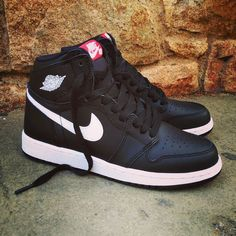 "Air Jordan 1 OG High GS ""Black White""  Size GS - Price: 135 (Spain Envíos Gratis a Partir de 75) http://ift.tt/1iZuQ2v  #loversneakers #sneakerheads #sneakers  #kicks #zapatillas #kicksonfire #kickstagram #sneakerfreaker #nicekicks #thesneakersbox  #snkrfrkr #sneakercollector #shoeporn #igsneskercommunity #sneakernews #solecollector #wdywt #womft #sneakeraddict #kotd #smyfh #hypebeast #nike #jordan1 #nikeair #airjordan #jordan"