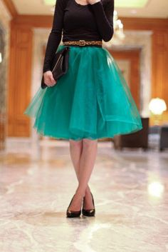 An Easy Tulle Skirt Tutorial - Everyday Reading - Tulle Skirt – 20 Clever and Stylish DIY Fashion Projects You are in the right place about diy clot - Diy Clothing, Sewing Clothes, Green Tulle Skirt, Tulle Skirts, Diy Tulle Skirt, Tulle Tutu, Green Tutu, Gold Tulle, Tulle Dress