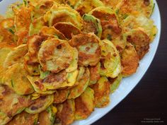 Fried courgette with Parmesan cheese and chilli flakes. Chilli Flakes, Snack Recipes, Snacks, Ratatouille, Parmesan, Fries, Tasty, Cheese, Breakfast