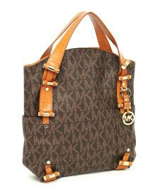 Michael Kors Purse Big AUTHENTIC michael kors bag. Has been used but no sign of any damage Michael Kors Bags Totes