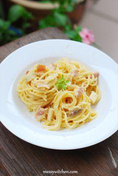 Spaghetti Carbonara With Creme Fraiche - Messy Witchen