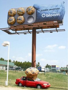 Great Outdoor Interactive Advertising for a Muffins by Blooms. Follow me in Twitter: @johnnymatosrd