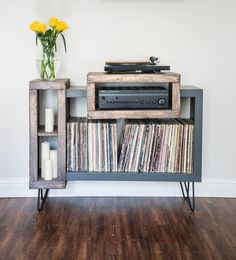 Stereo cabinet Vinyl Record Stand, Record Player Stand, Vinyl Record Player, Vinyl Records, Living Furniture, Furniture Projects, Diy Furniture, Stereo Cabinet, Record Cabinet