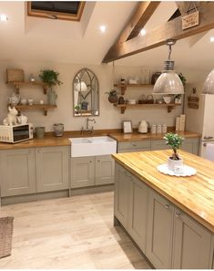 Yup, another kitchen post!📸 So glad we took advice to use for our oak worktops! We love it, the… Yup, another kitchen post!📸 So glad we took advice to use for our oak worktops! Kitchen Post, Home Decor Kitchen, Rustic Kitchen, Kitchen Interior, New Kitchen, Home Kitchens, Kitchen Dining, Kitchen Ideas, Kitchen Cabinets