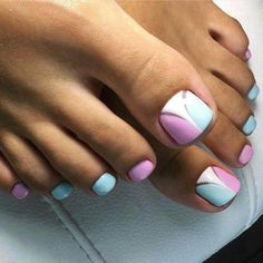 Semi-permanent varnish, false nails, patches: which manicure to choose? - My Nails Pedicure Designs, Pedicure Nail Art, Toe Nail Designs, Toe Nail Art, Pretty Toe Nails, Cute Toe Nails, Ongles Roses Clairs, Hair And Nails, My Nails