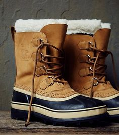 Don't these shearling lined boots just look SO warm? // Sorel Caribou Weather Boots