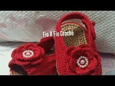 Sapatilha Alice em Crochê- tamanho 10cm - YouTube Crochet Baby Sandals, Booties Crochet, Crochet Baby Clothes, Crochet Shoes, Love Crochet, Baby Boots, Baby Girl Shoes, Crochet Mustache, Handmade Gifts For Friends