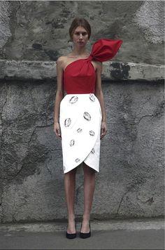 vika gazinskaya, ontwerpster van Ulyana Sergeenko (kazachstan) te koop bij Collette Paris