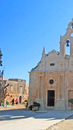 Arkadi Monastery is a landmark of architecture and a great symbol of Cretan revolution of 1866 against Turks. It is located 23 km south-east of Rethymno. Mykonos, Santorini, Zorba The Greek, Crete Greece, Greek Islands, Beach Trip, Barcelona Cathedral, Travel Inspiration, Travel Photography