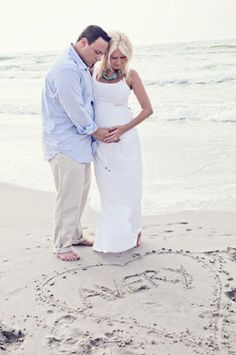 Beach Maternity Photography For a Couple   Expecting Their First