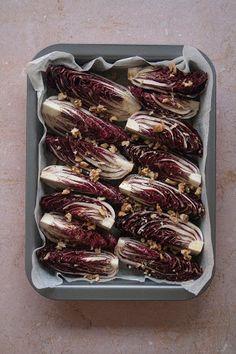 Radicchio al forno con noci step 3 Buffet, 3, Dessert, Contouring, Oven, Vegan, Cardboard Paper, Deserts, Postres