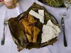 """Venezuela. La """"Hallaca"""" es uno de los platos más reconocidos y elaborados de la gastronomía Venezolana. Resultado del proceso histórico y del mestizaje del Venezolano."""