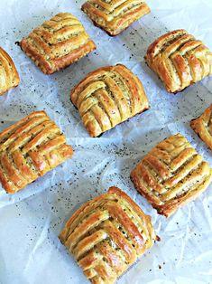 würzig-kippakketjes Source by ahollegien Finger Food Appetizers, Finger Foods, Appetizer Recipes, Cheat Meal, Pie Dessert, No Bake Cake, Lunch Recipes, Asian Recipes, Cravings