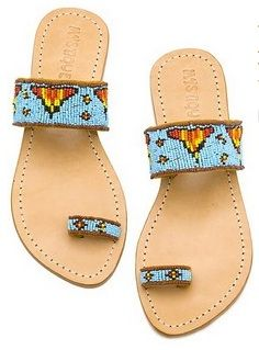 Trendy Beachwear for the Summer beaded sandals Discovred by : Azza Shesheny Crazy Shoes, On Shoes, Me Too Shoes, Shoe Boots, Shoes Sandals, Flat Sandals, Beaded Sandals, Beaded Shoes, Quoi Porter