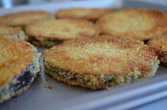 """Crispy Baked Eggplant (I combined parts of this recipe and parts of the baked eggplant recipe from the Easy Eggplant Recipes"""" pin from Mr. Food to create the perfect baked eggplant dish) Oven Fried Eggplant, Fried Eggplant Recipes, Crispy Eggplant, Eggplant Parmesan, Baked Eggplant Slices, Healthy Eggplant, Eggplant Dishes, Veggie Dishes, Vegetable Recipes"""