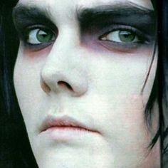 His beautiful eyes ••