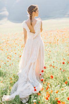 Romantic unique wedding dress | Warmphoto | see more on: http://burnettsboards.com/2016/01/legend-fairy-sybil/