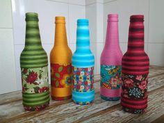 garrafas-decoradas-com-barbante-e-tecido-para-casamento-e-cha-de-panela